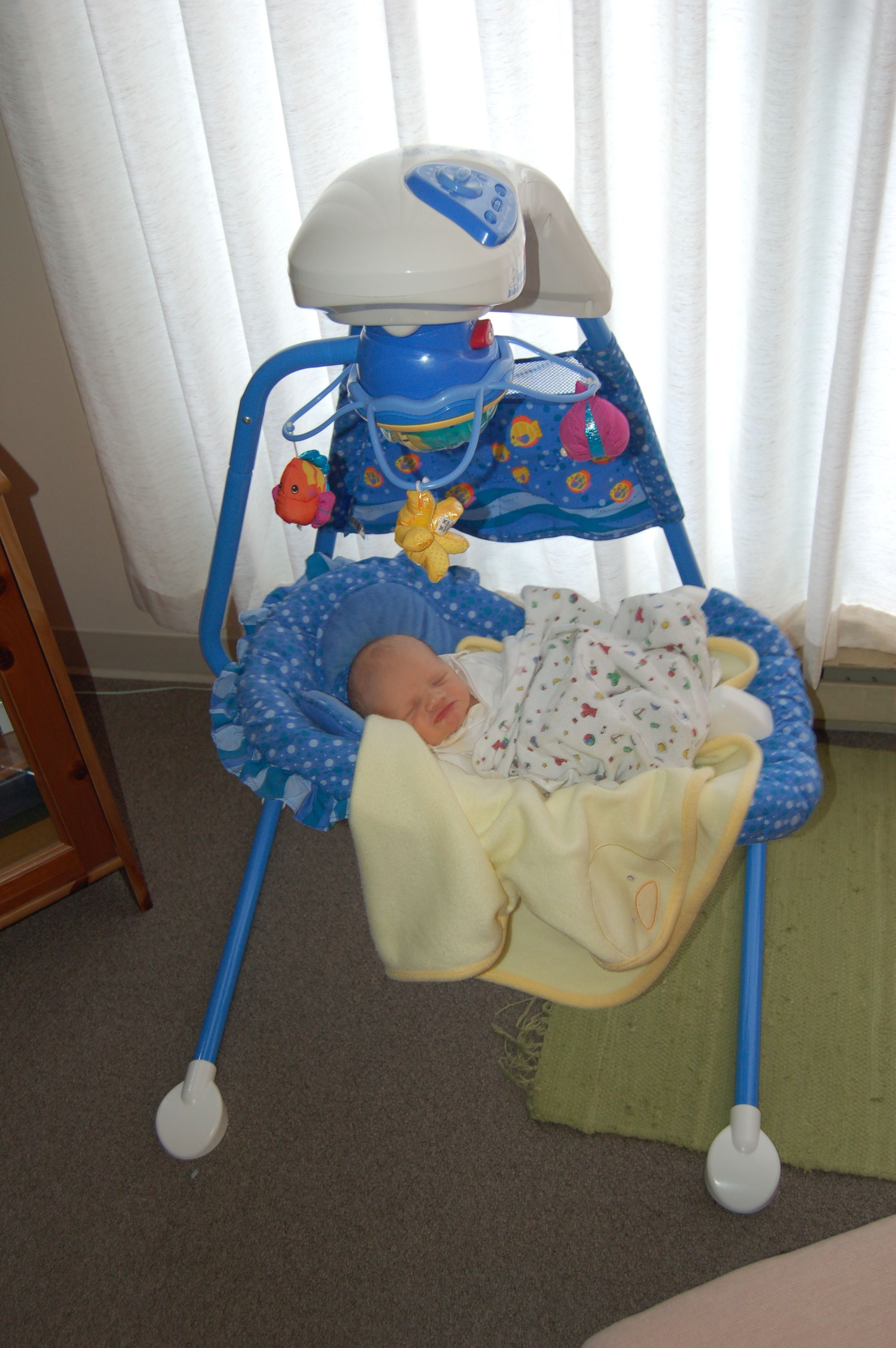 fisher price aquarium cradle swing review the fussy baby site rh thefussybabysite com fisher price aquarium cradle swing instructions manual fisher price aquarium cradle swing instructions manual