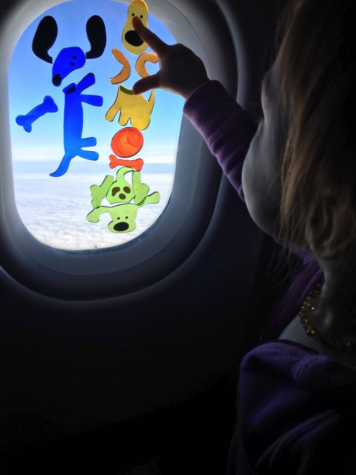 kids on airplane with window gels